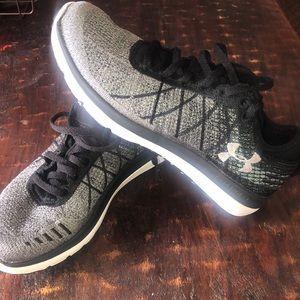 UnderArmour Running Sneakers